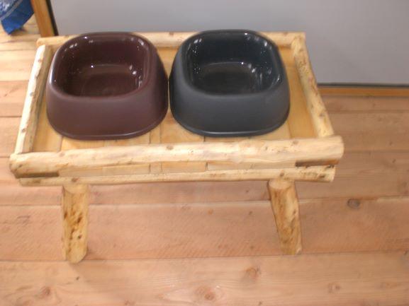 Dog-Feeding-Table