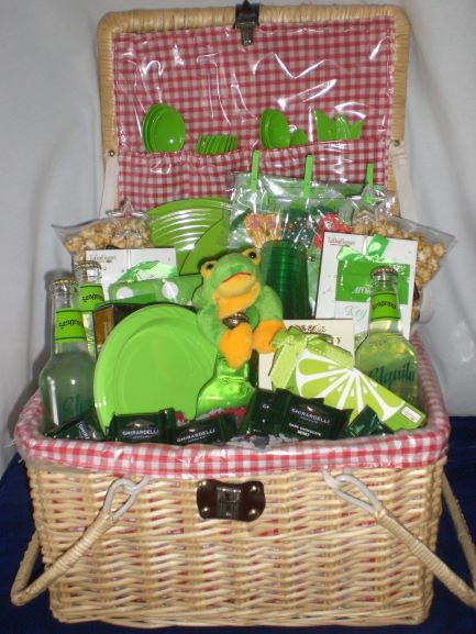 Picnic-Basket-unwrapped-version