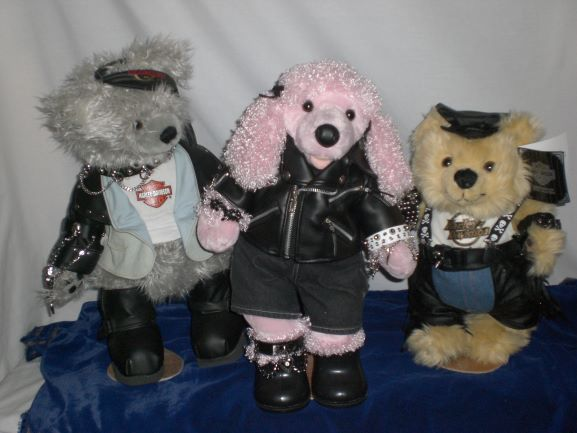 Prep-at-Studio-Harley-Davidson-Bears-complete-with-Gothic-Items