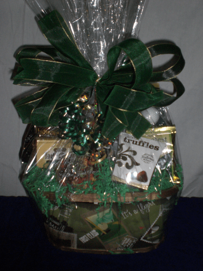 Sports-Enthusiast-Gift-Basket-The-Day-for-Golf-wrapped-version-e1431370518607