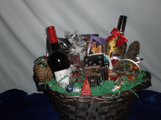 Sports-Enthusiast-gift-Basket-For-the-Hockey-Fan-Wayne-Gretzky-Wine-Basket-unwrapped-version-only