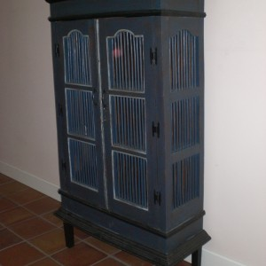 Pie Cabinet - Distressed Finish - Side View
